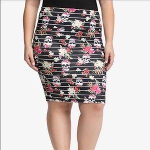 TORRID Flowers & Skulls Prbcil Skirt Size 3 /22-24